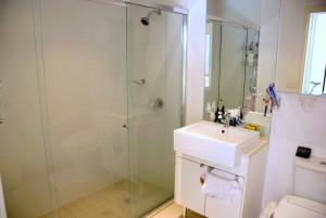 bathroom1-1024x685